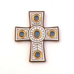 Croix en céramique blanche, bleue et or.