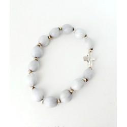 Bracelet en graines naturelles grises Larmes de St Pierre avec croix argentée